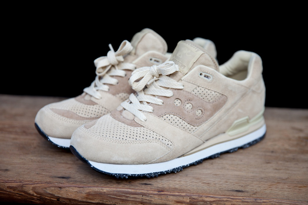 saucony blanche